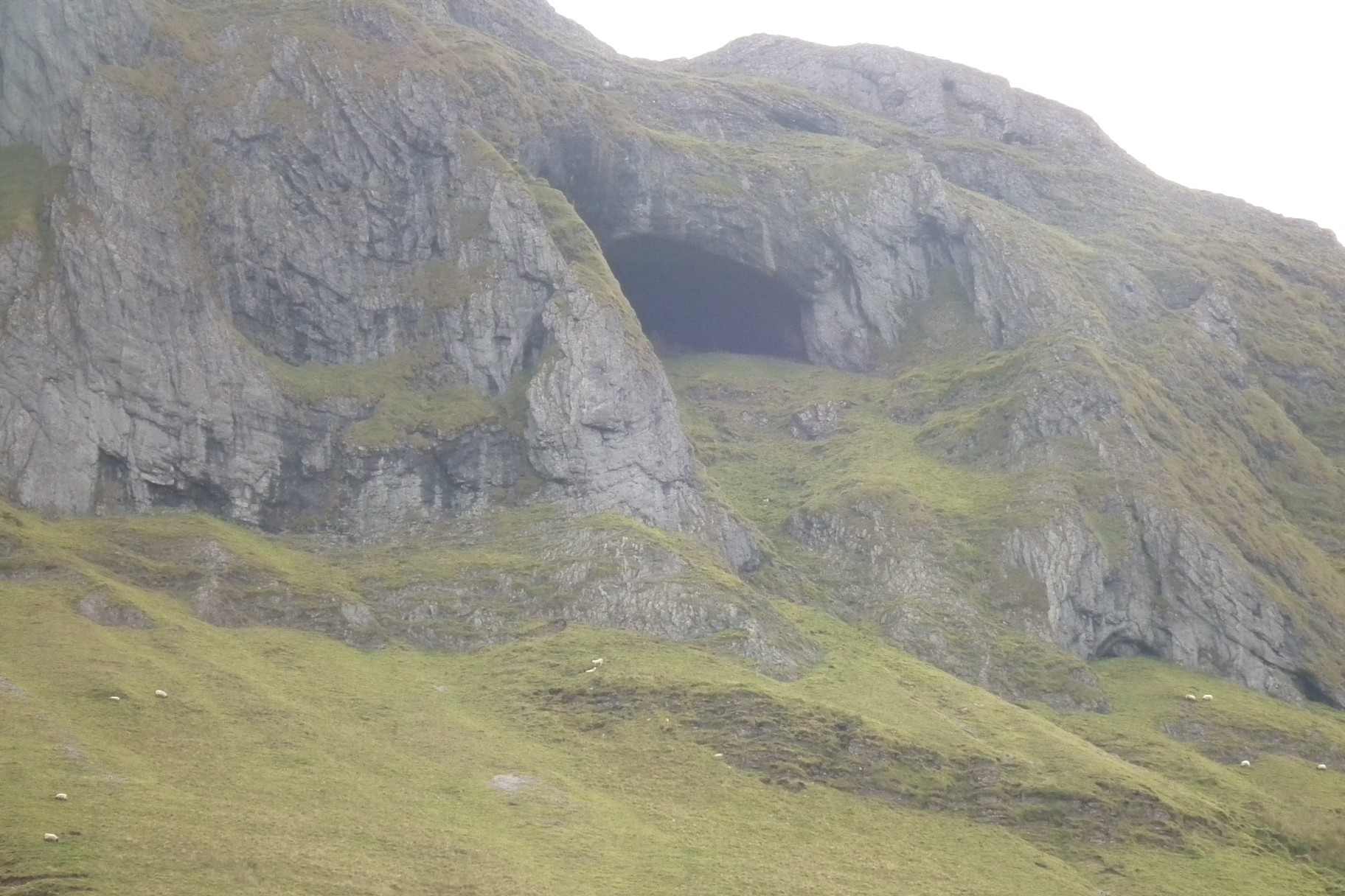 Diarmuid & Grainne's cave at the Gleniff Horseshoe