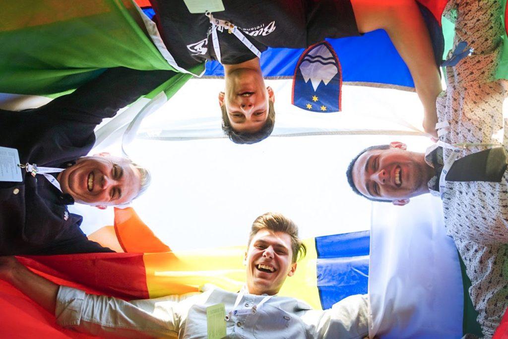 Flag roundabout (the Douzelage friendships) - Bor Dolenc